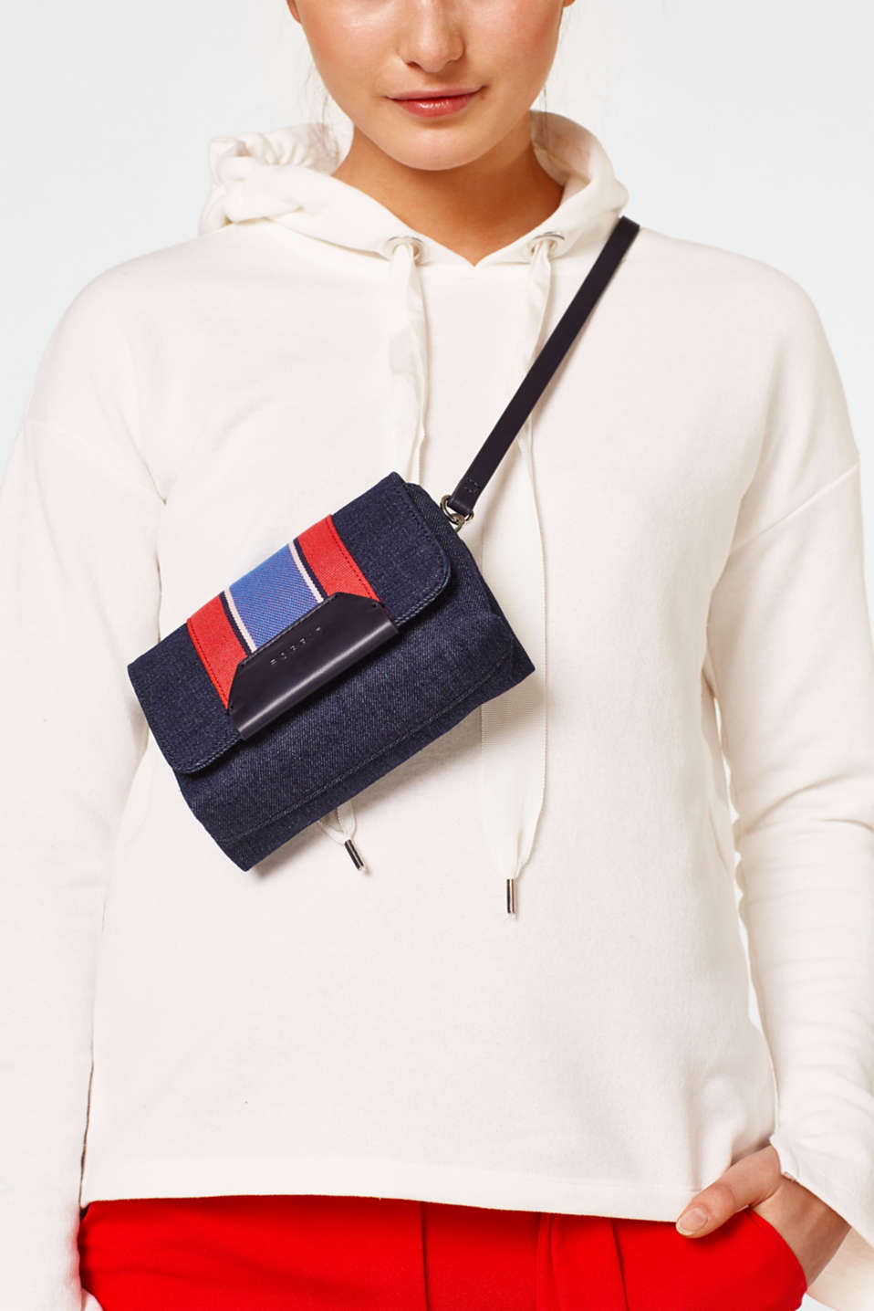 Small shoulder bag in a denim look