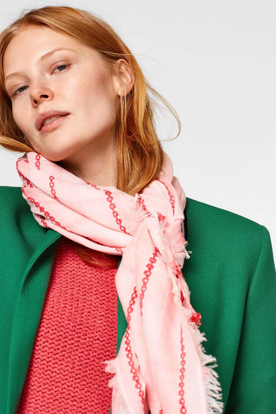 Two-tone woven scarf with