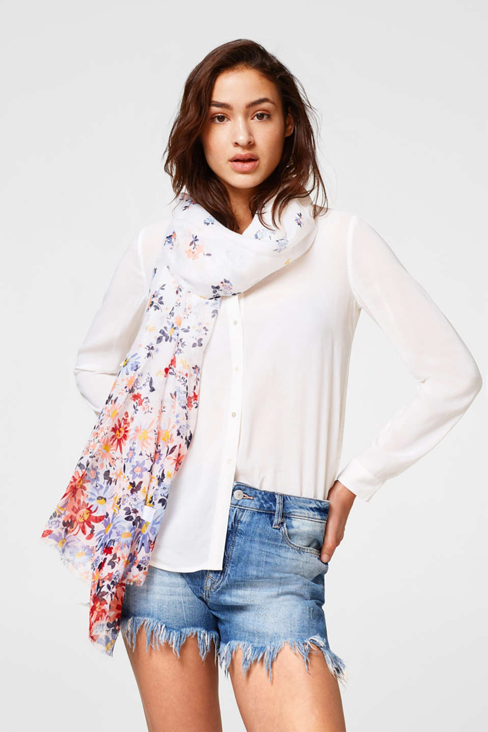 Lightweight woven scarf with a floral print