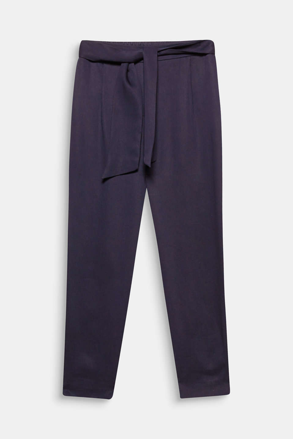 Make sure you are wearing the trousers with this cropped design in flowing, textured lyocell with an elasticated waistband and fixed tie belt!