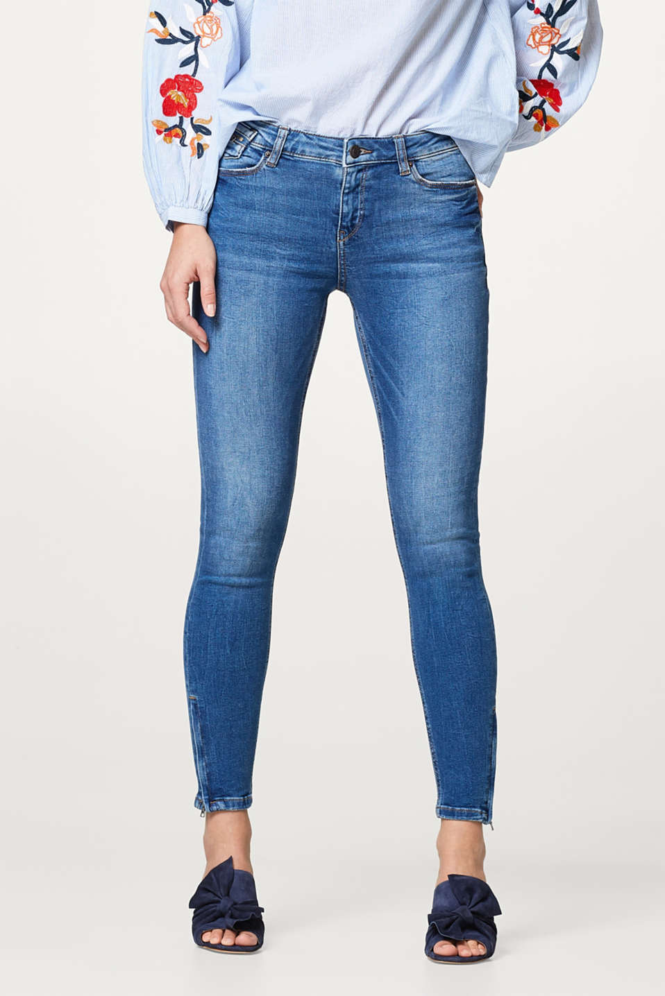 Esprit - Slim-fitting stretchy jeans with zip details