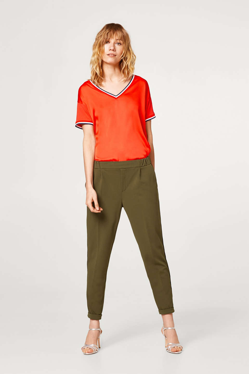 Crêpe trousers in a joggers style
