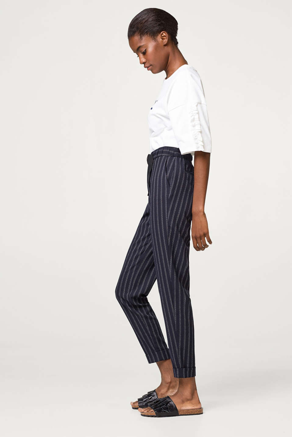 Esprit - Jogging bottoms with a grosgrain ribbon belt and chalk stripes