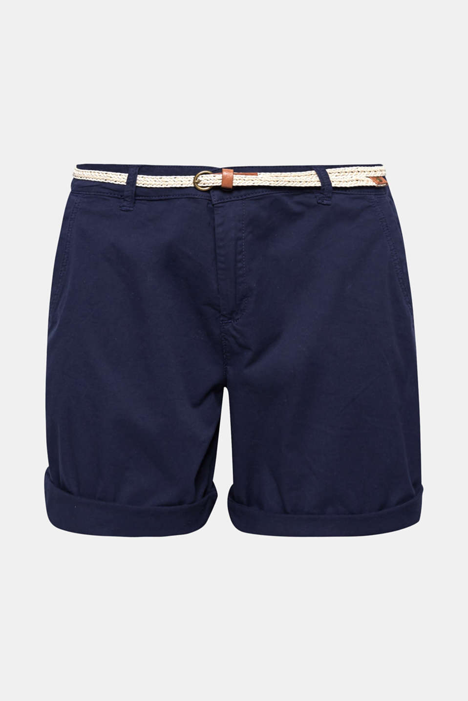 These shorts in garment-washed stretch cotton with a woven belt is your ideal piece for leisure time and holidays!