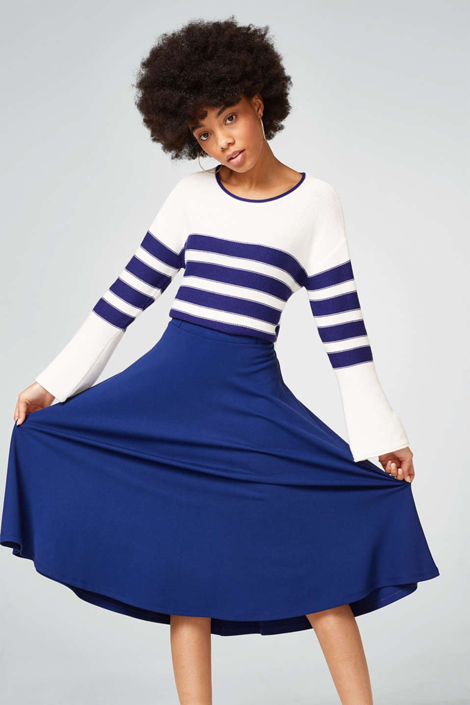 Esprit - Swirling stretch jersey skirt with an elasticated waistband