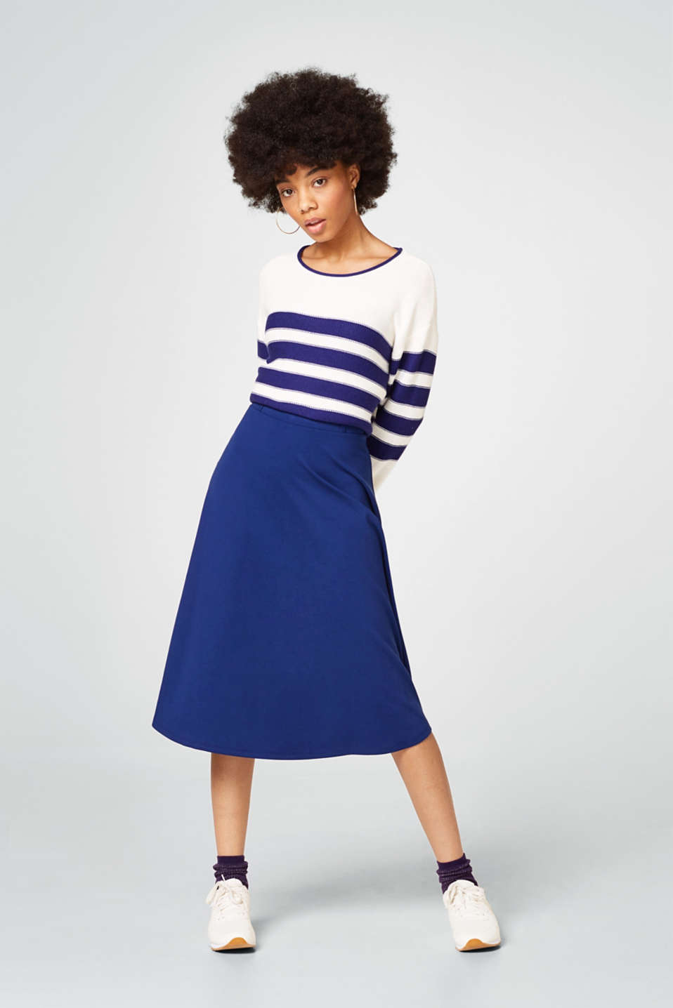Swirling stretch jersey skirt with an elasticated waistband