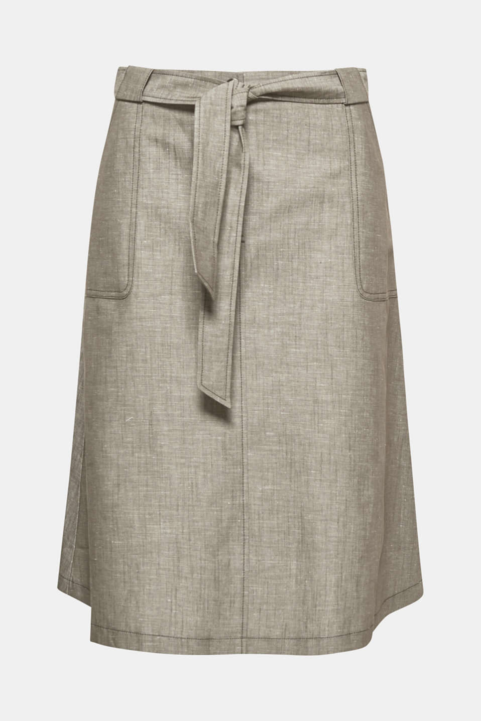 The trendy midi length, the flared silhouette and the lightweight linen blend make this skirt a summery must-have!