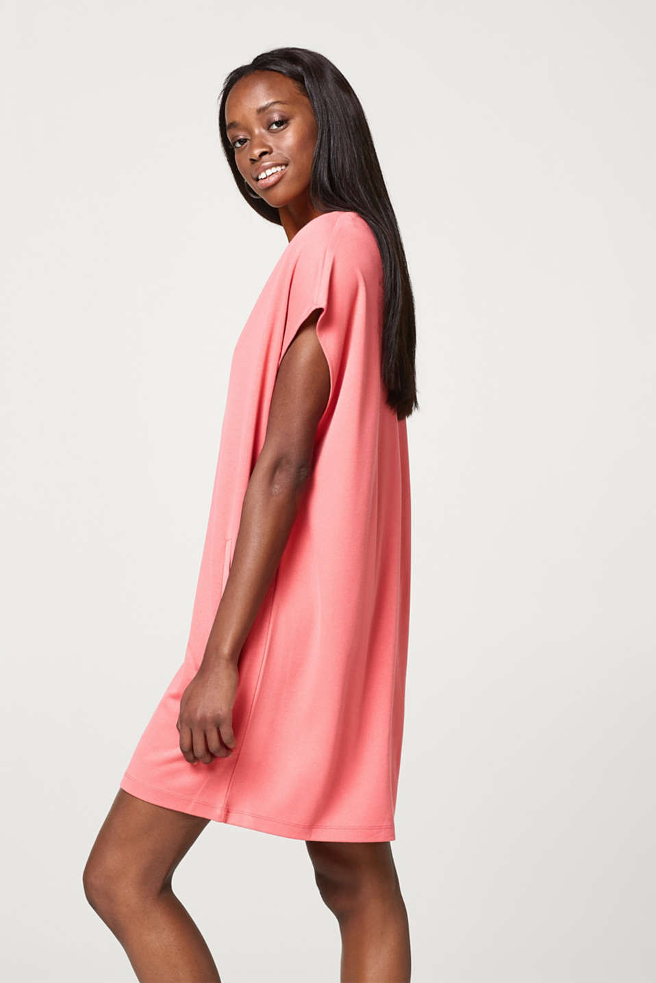Esprit - Softly draped jersey dress in an oversized style