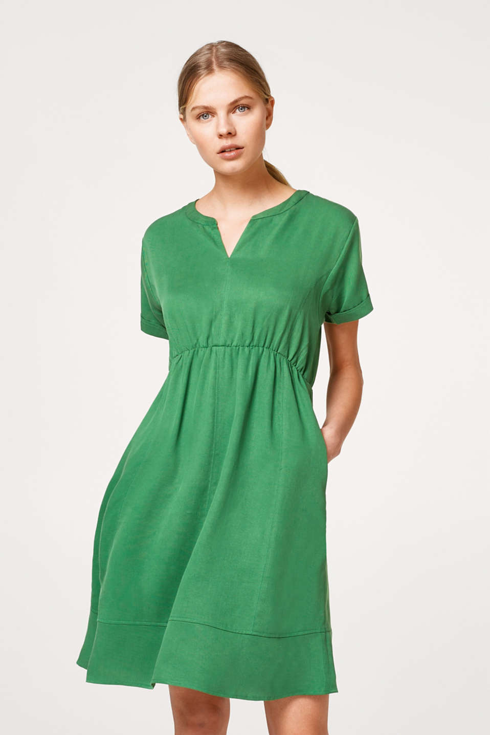 Esprit - Textured dress with a tulip neckline