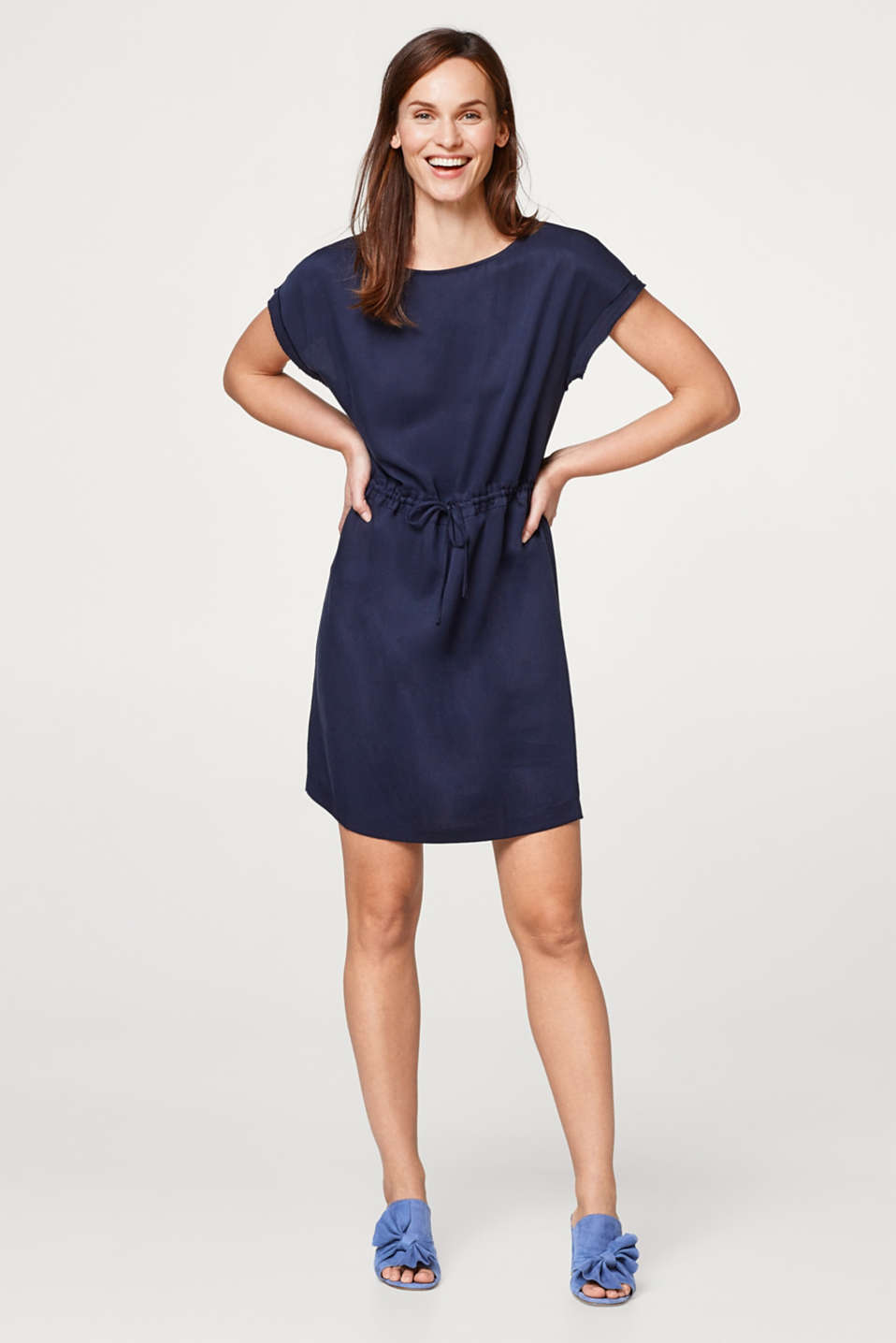 Lightweight lyocell dress with a drawstring waist