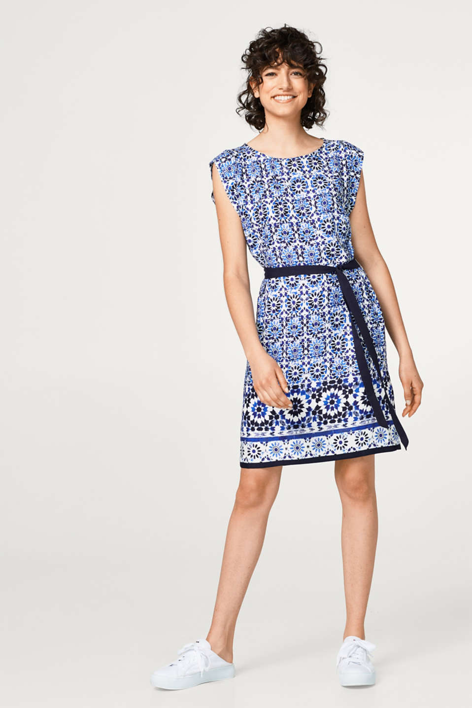 Esprit - Lightweight dress with ornament print