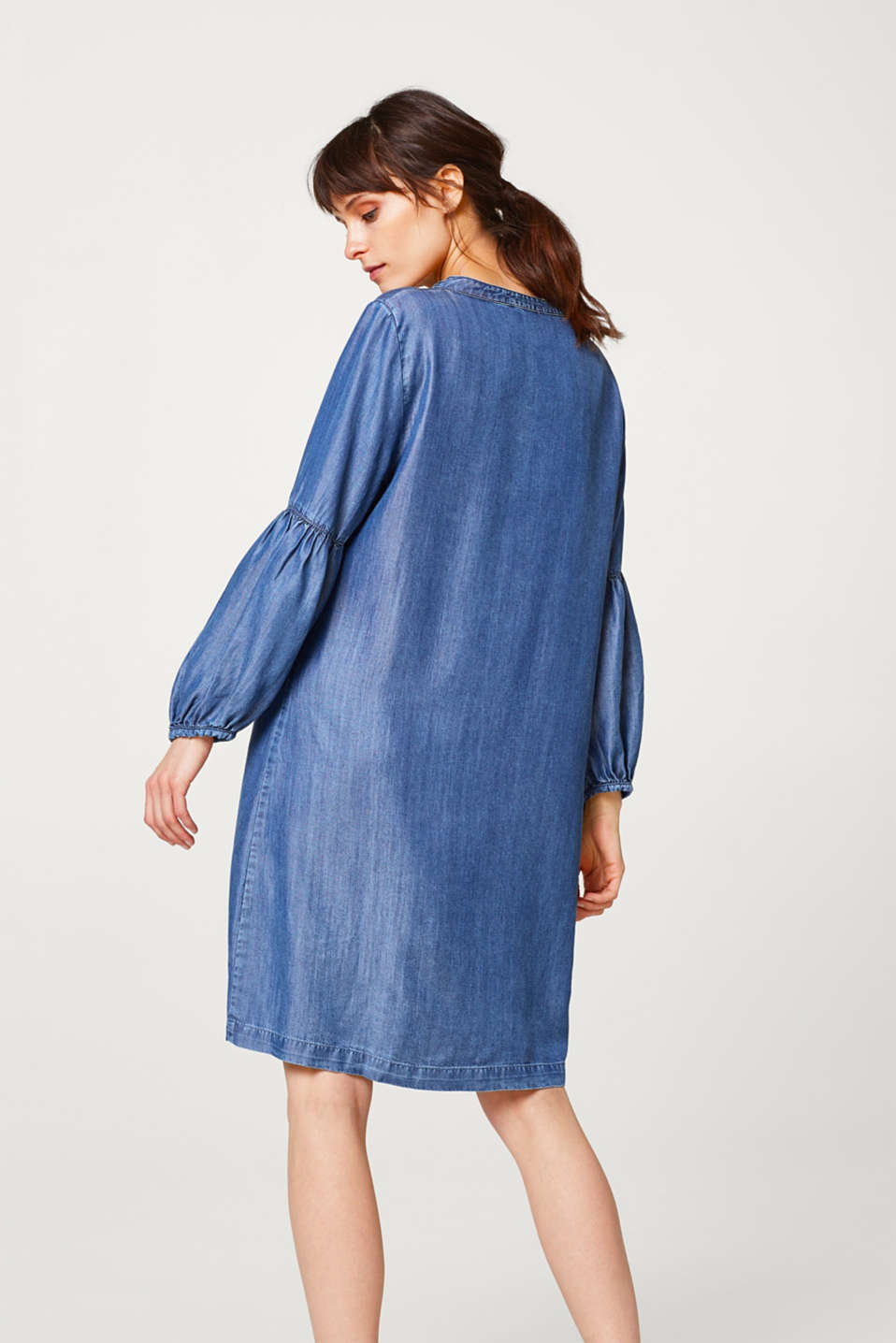 Fließendes Kleid in Denim-Optik mit Ballon-Ärmeln