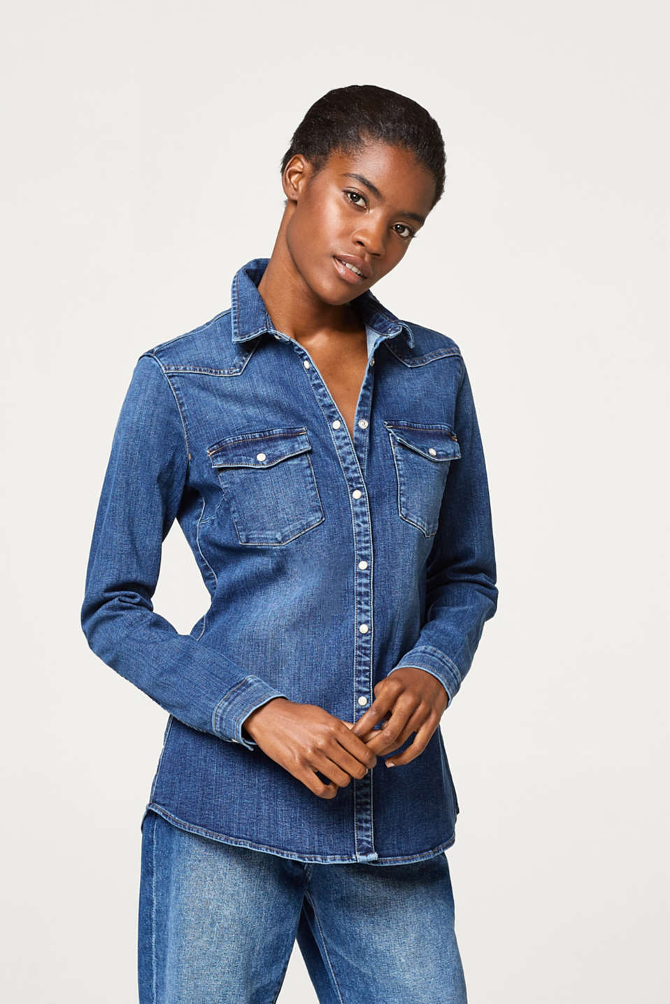 Esprit - Fitted denim shirt with stretch and press studs