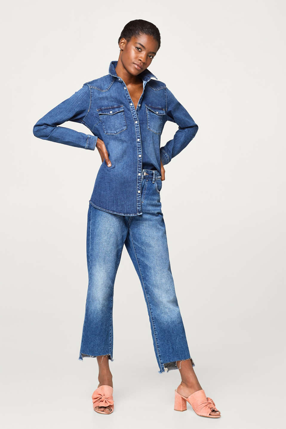 Fitted denim shirt with stretch and press studs