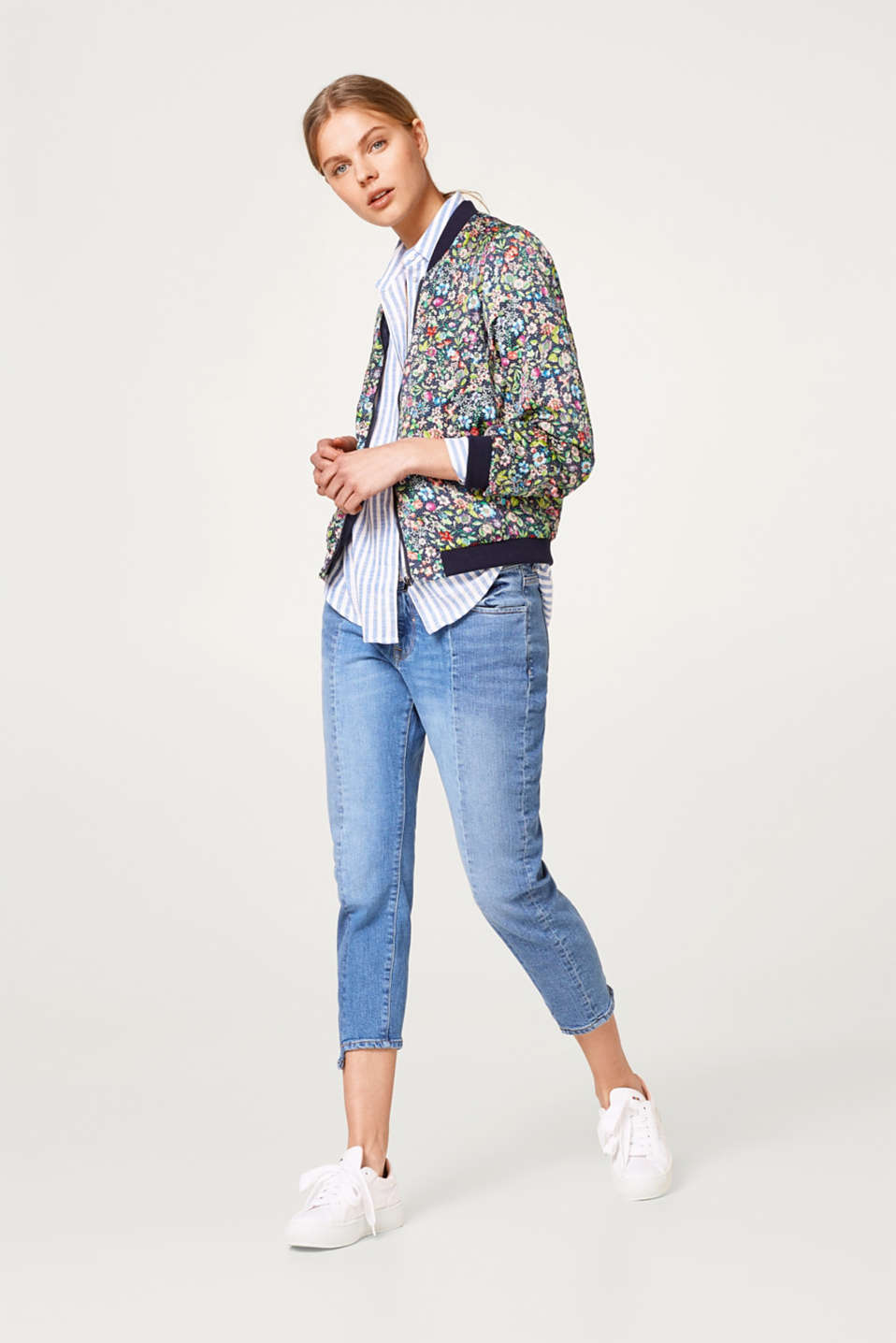 Lightweight bomber jacket with a colourful floral print