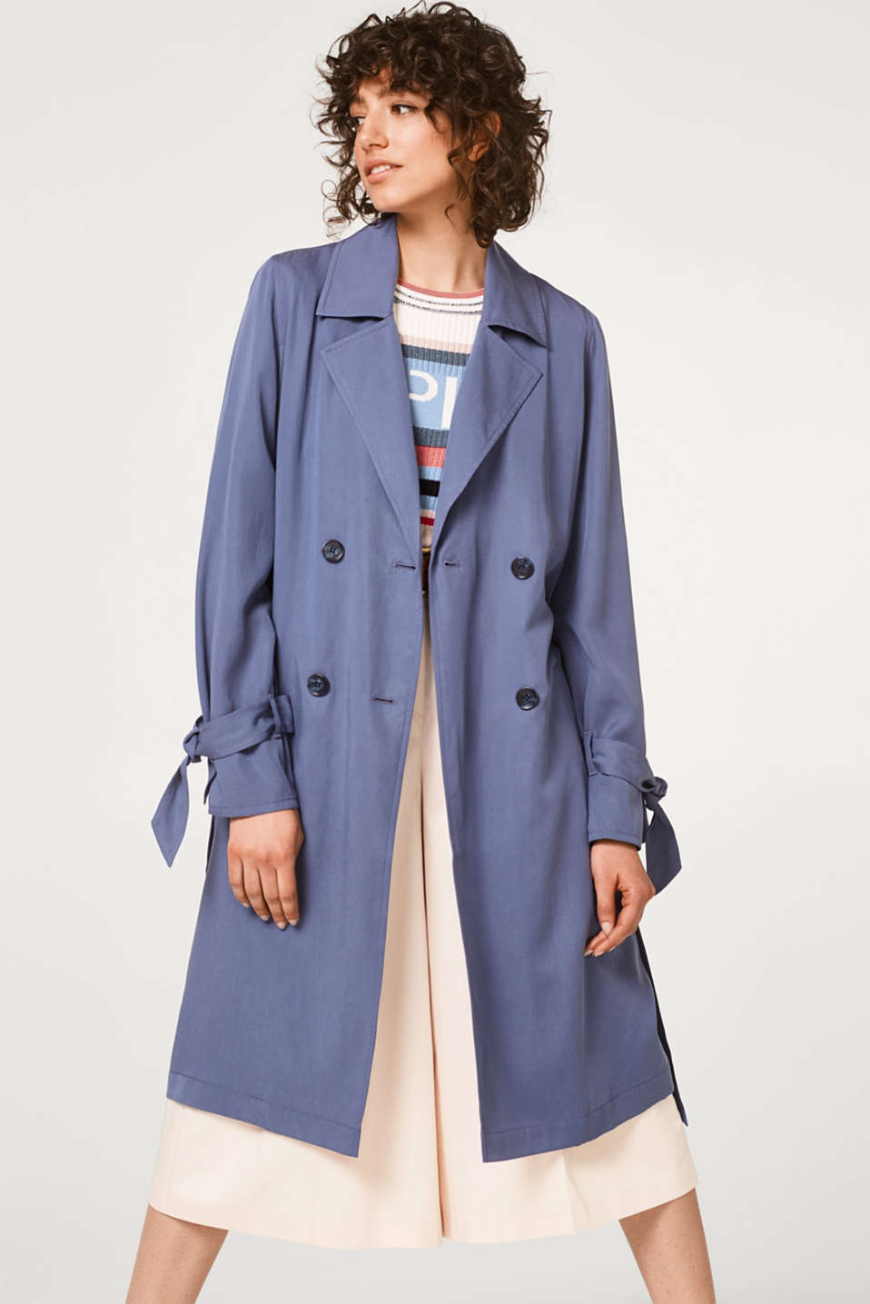 Esprit - Double-breasted trench coat in softly draped lyocell