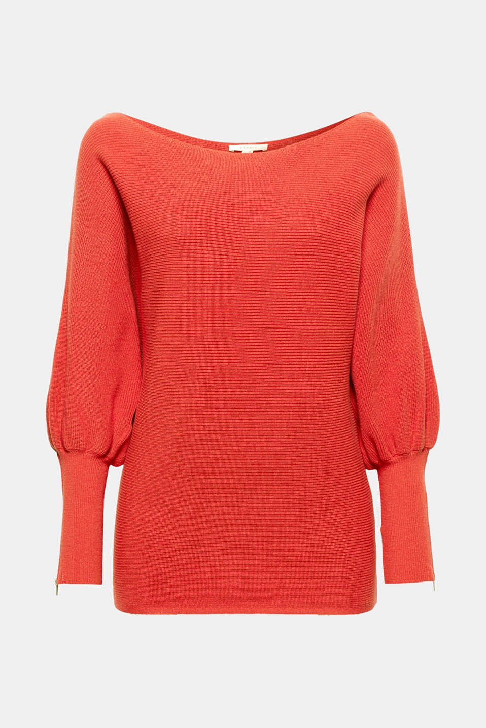 We love summer knitwear! The fine ribbed yarn and loose, oversized silhouette make this jumper a casual fave.