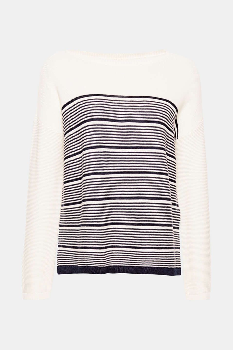 The positioned stripes and sporty texture give this jumper its new, nautical look!
