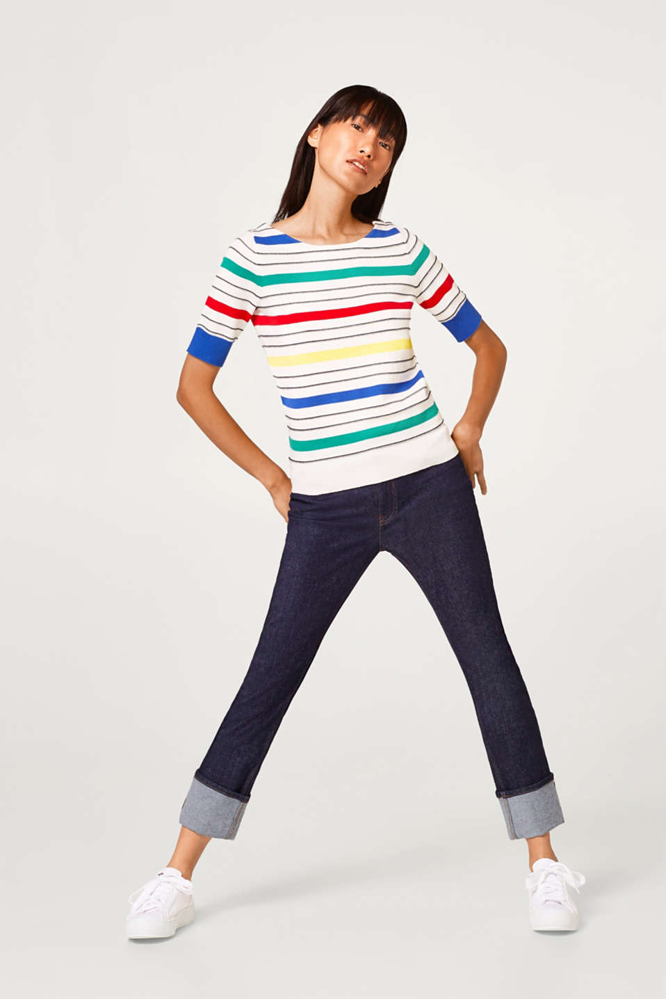 Fine-knit jumper with vibrant stripes