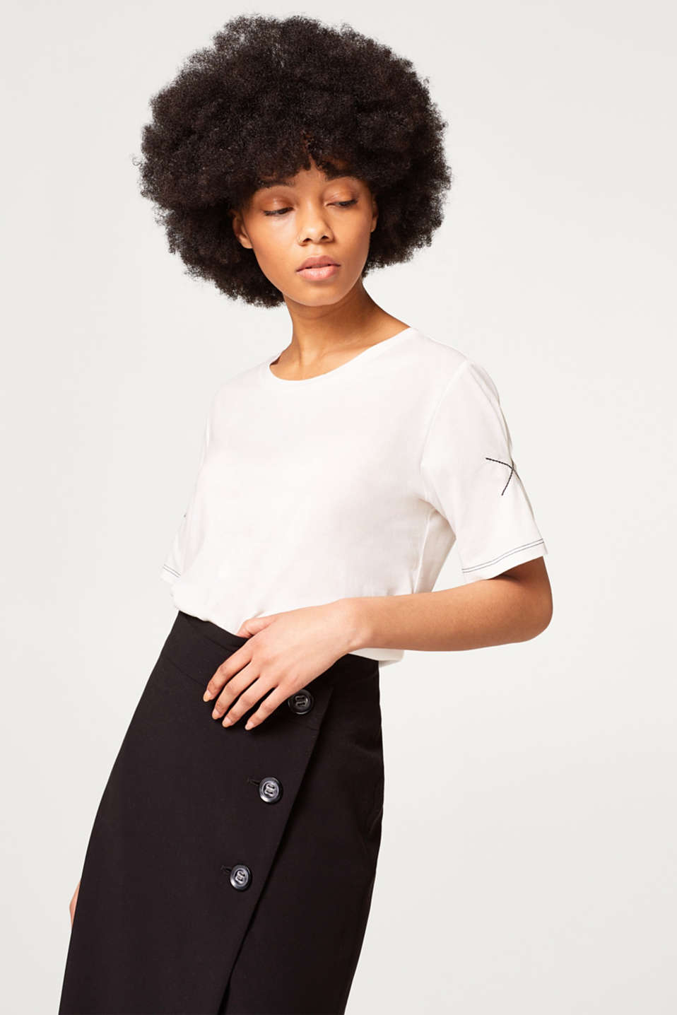 Esprit - Silky soft T-shirt with embellished sleeves