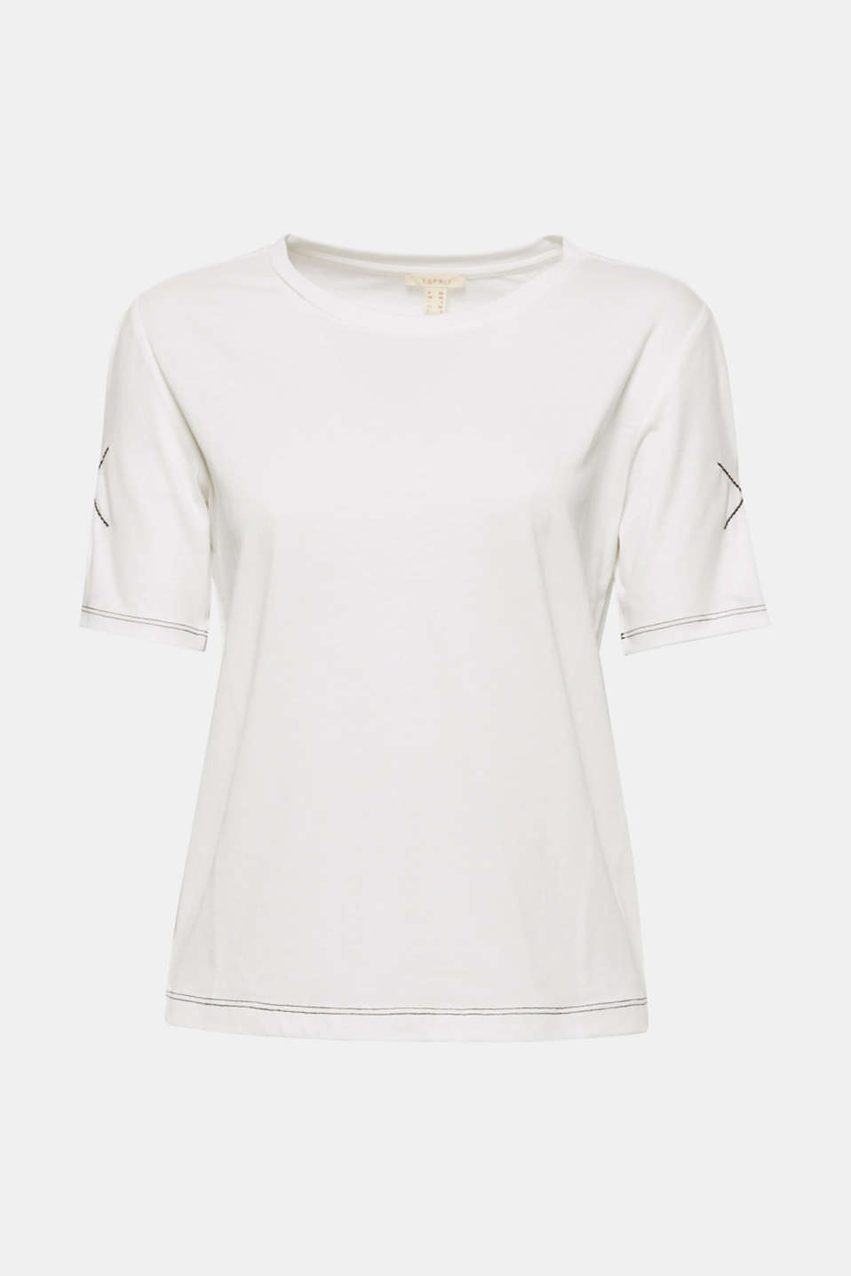 This silky T-shirt with contrasting colour stitching is so versatile and will surprise you with its beautiful details
