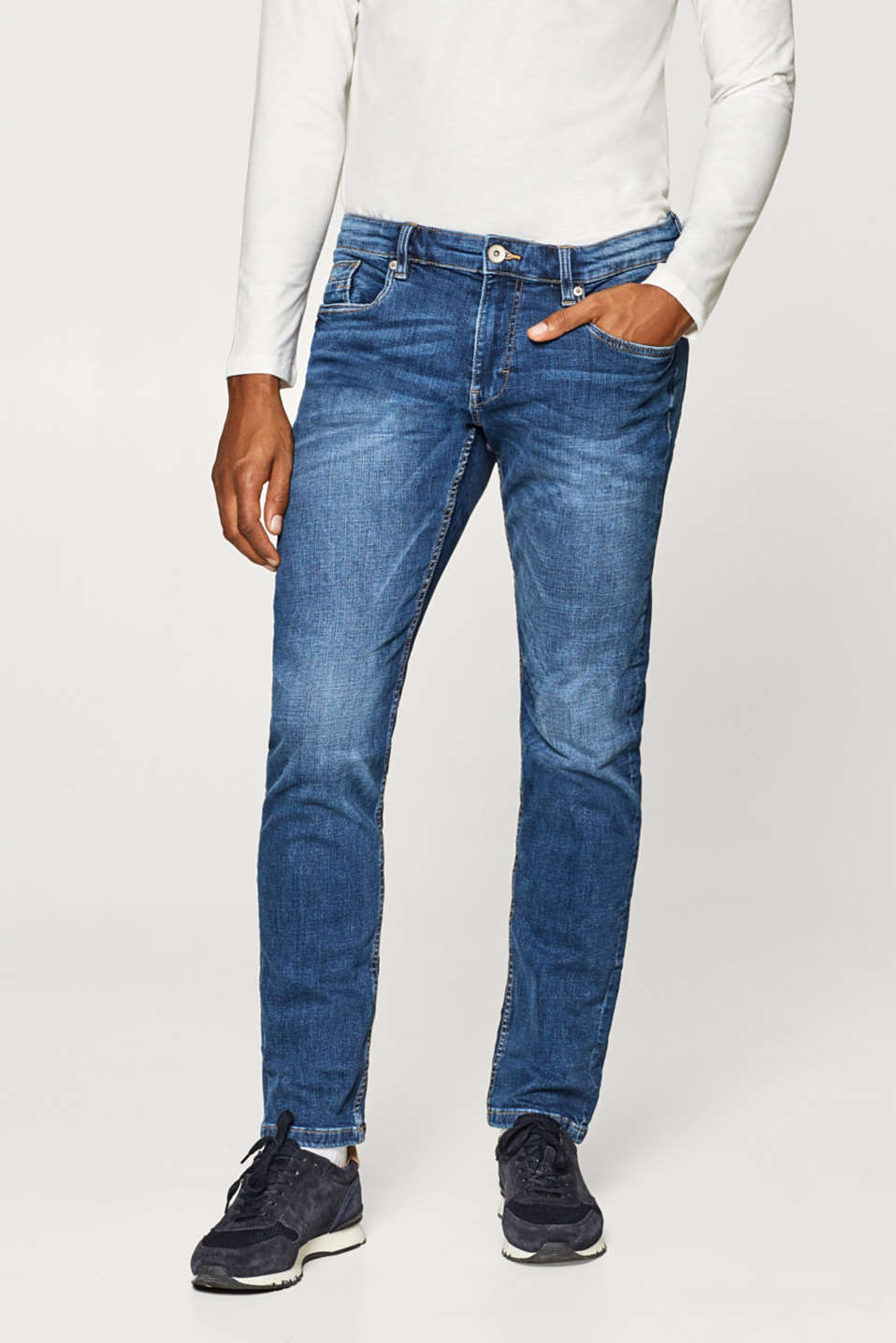 Esprit - Lightweight stretch jeans in a timeless vintage wash