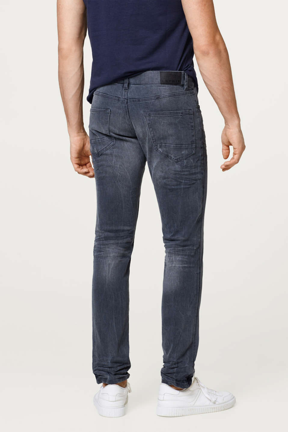 Stretch jeans with a destroyed finish