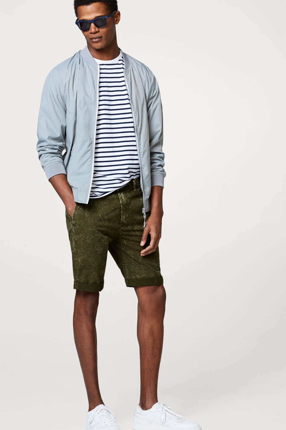 Chino shorts with an acid finish, in 100% cotton