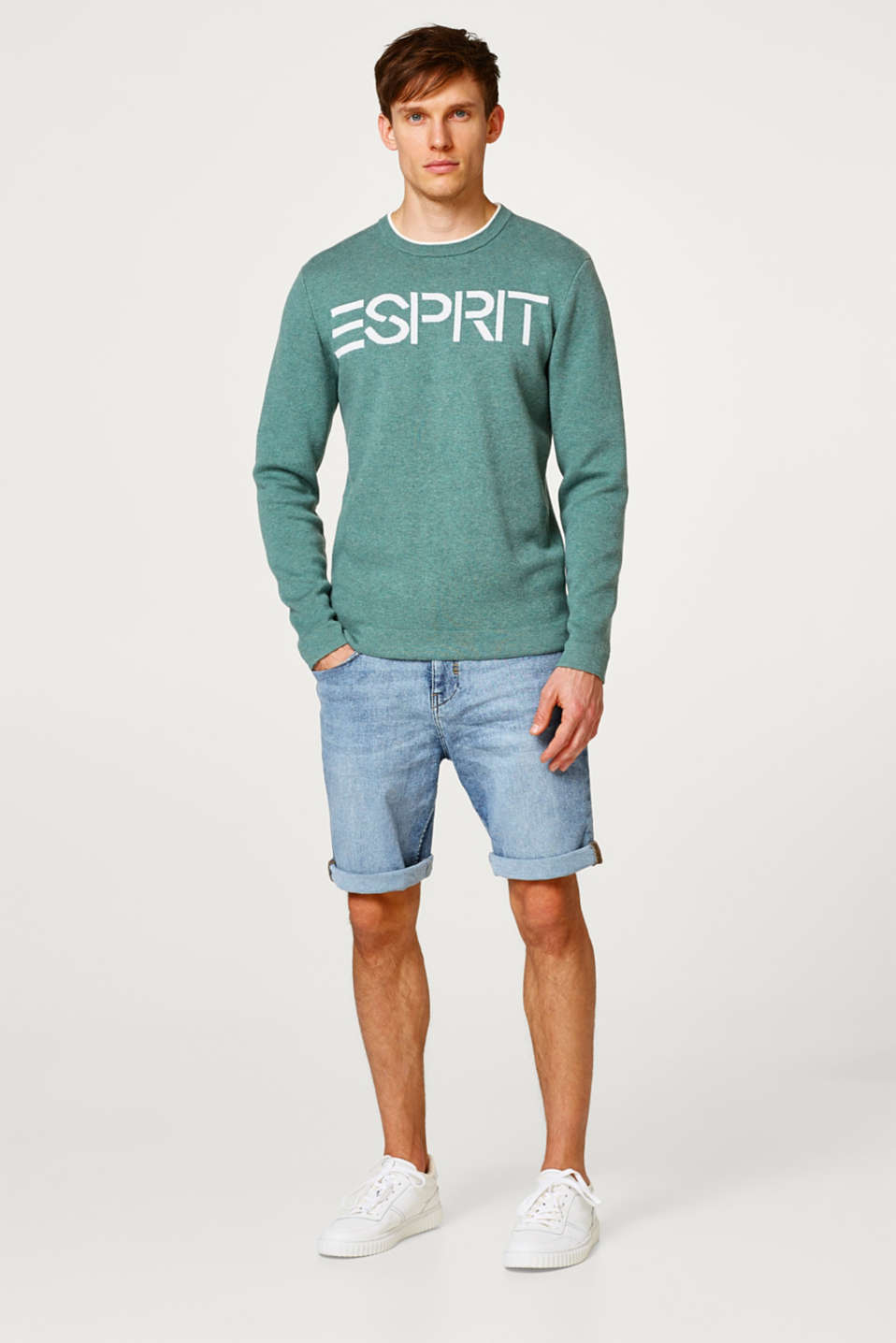 Thick jersey jumper with an intarsia logo