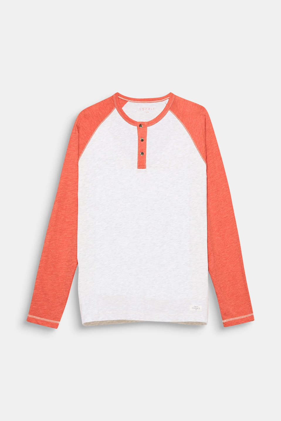 The contrasting colour raglan sleeves give this long sleeve top a sporty vibe.