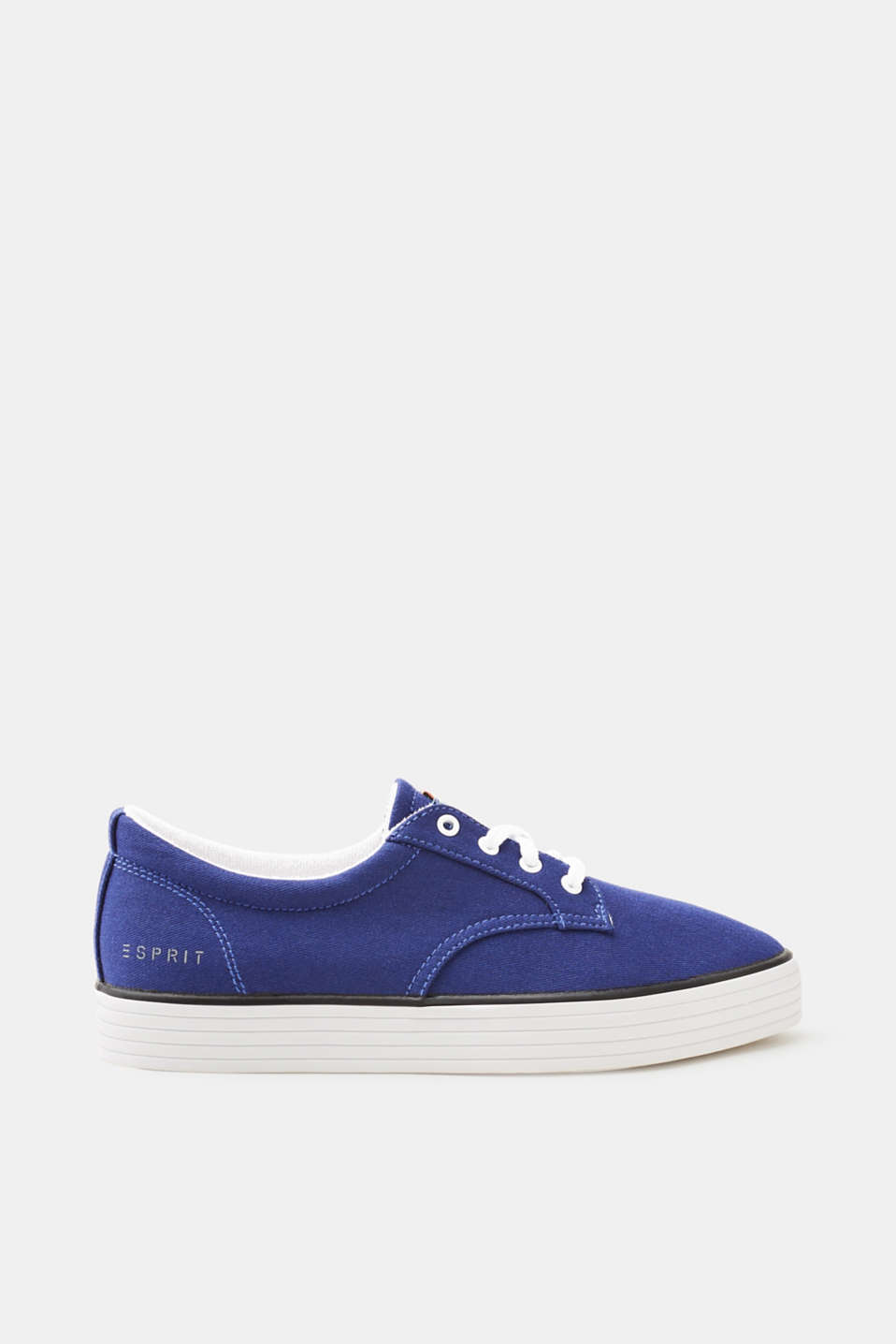 Ein Sneaker-Basic, das in keiner Garderobe fehlen darf: Schnürsneaker aus  Canvas.