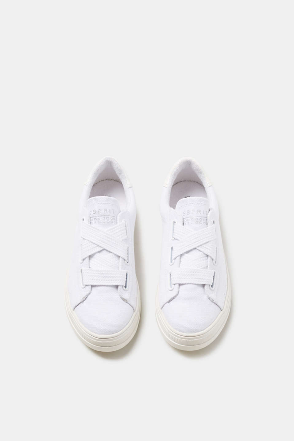 Trendy trainers + tonal woven tape