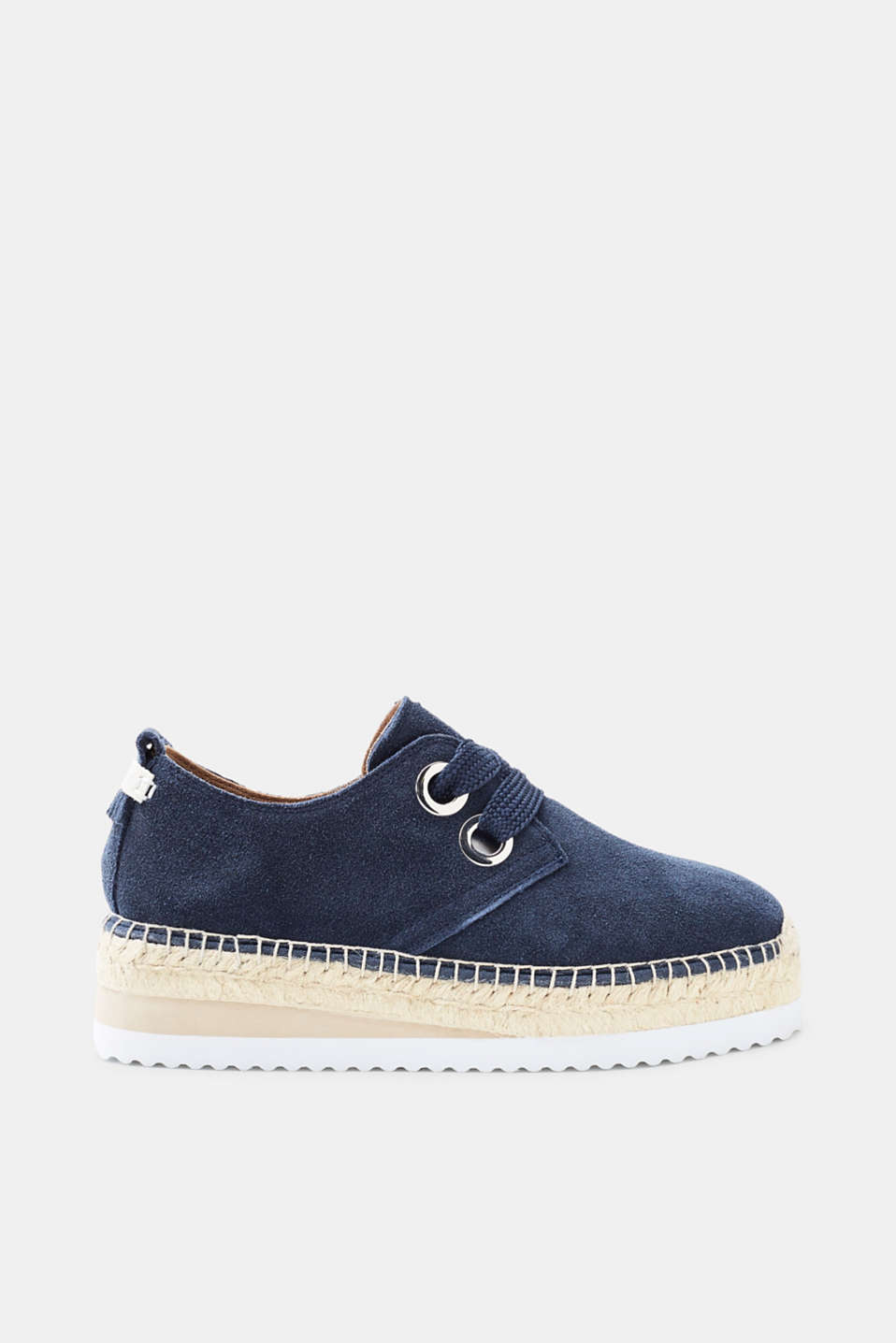 Flatform trend meets summer classic! The platform sole gives these suede espadrilles a trendy look.