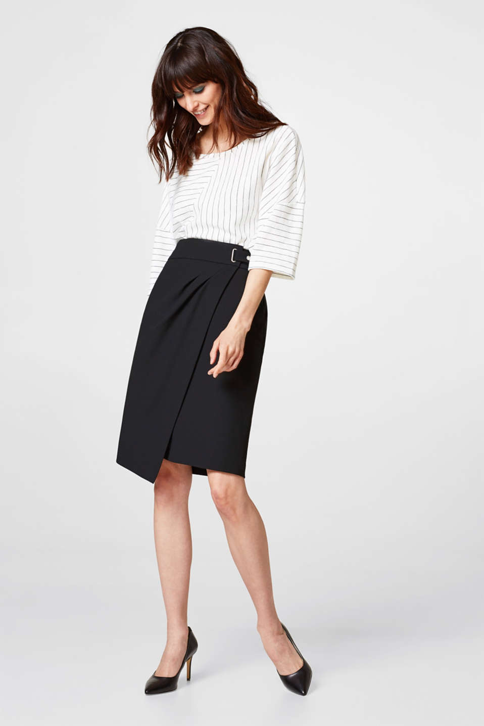 Crêpe skirt with a wrap-over effect