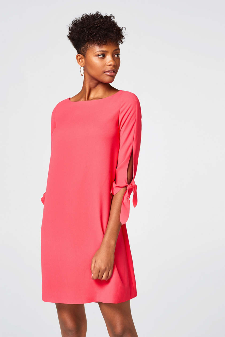 Esprit - Softly draped dress with laser-cut detailing