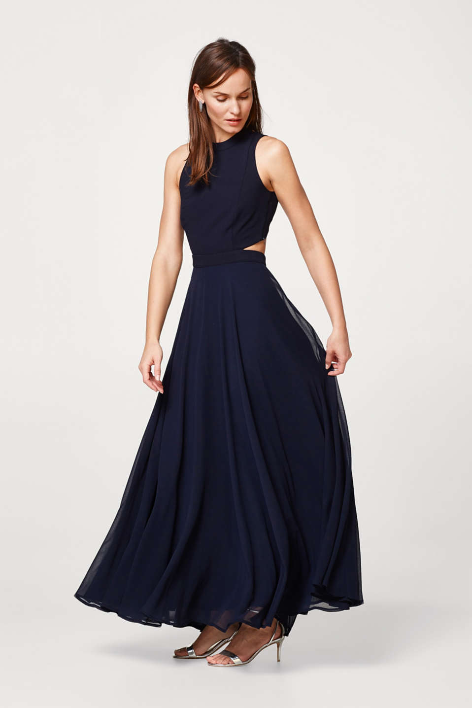 Esprit - Chiffon maxi dress with a halterneck and cut-outs