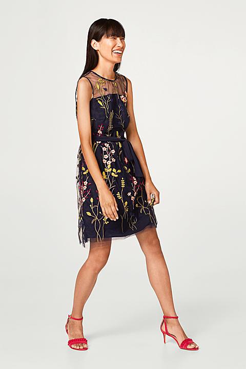 Zartes Tüll-Kleid mit bunter Blumen-Stickerei