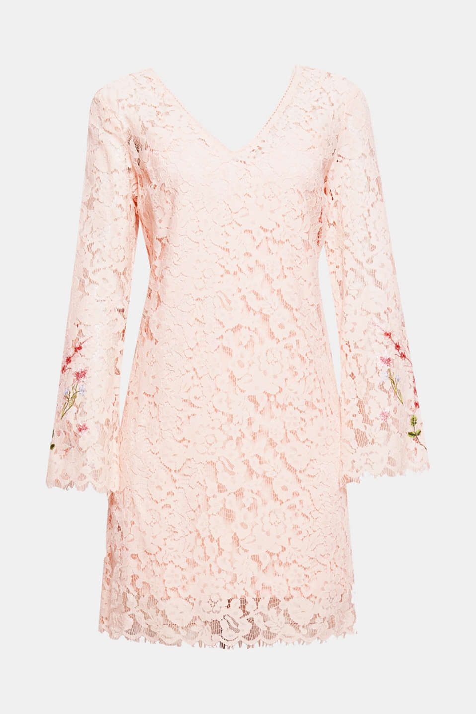 Pretty lace romantic! Floral lace and floral embroidery give a feminine touch to this dress.