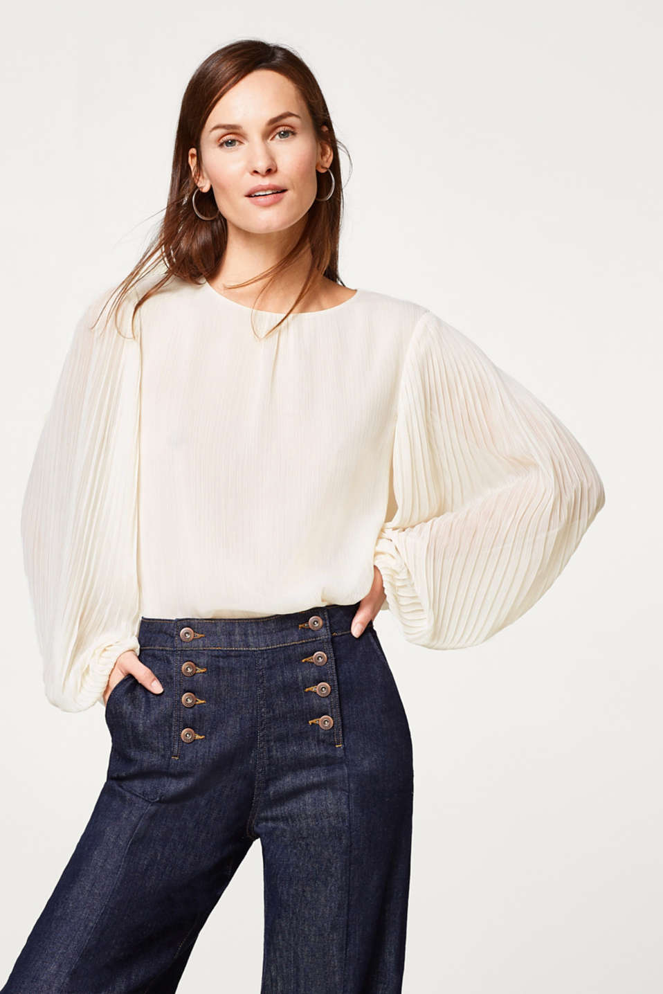 Esprit - Crinkle blouse with finely pleated balloon sleeves