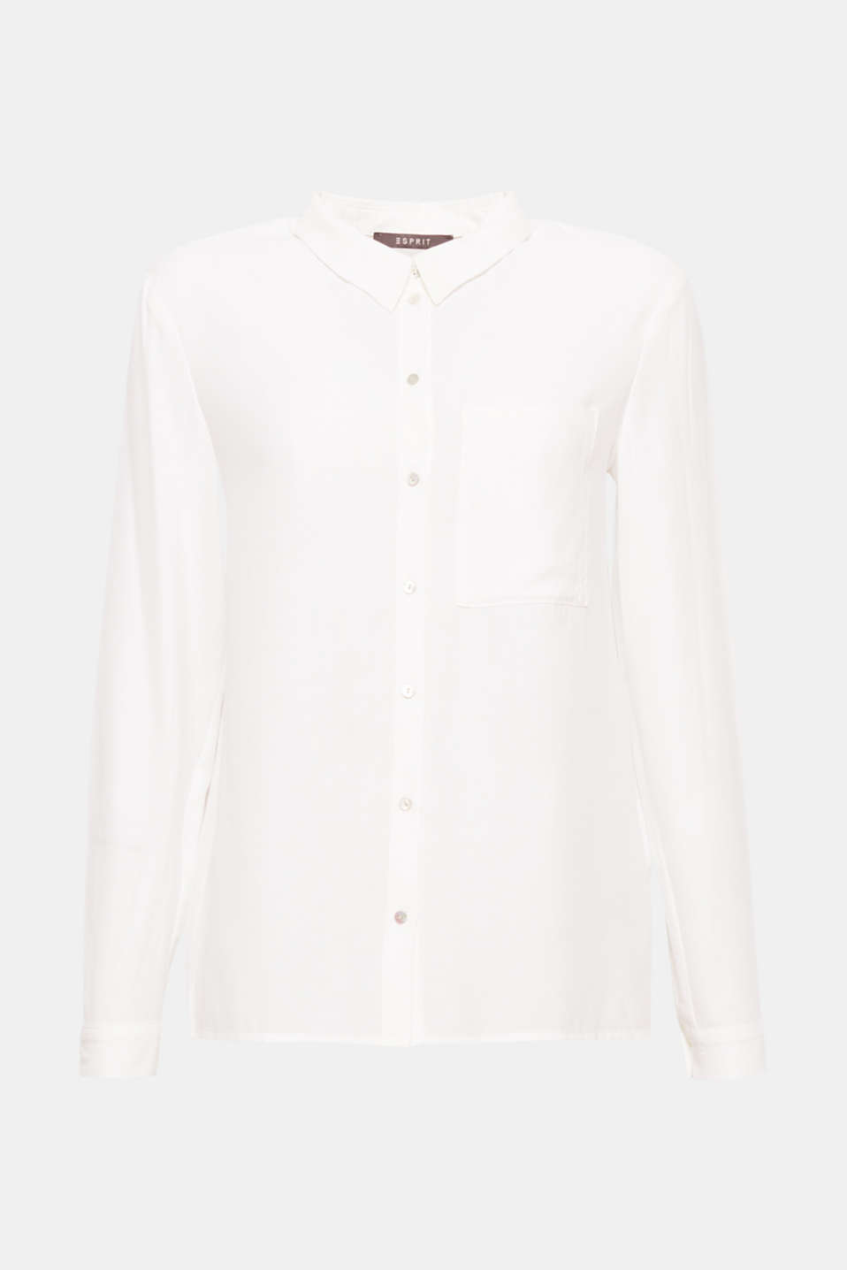 This blouse in flowing crêpe with a patch breast pocket is delicate and versatile.
