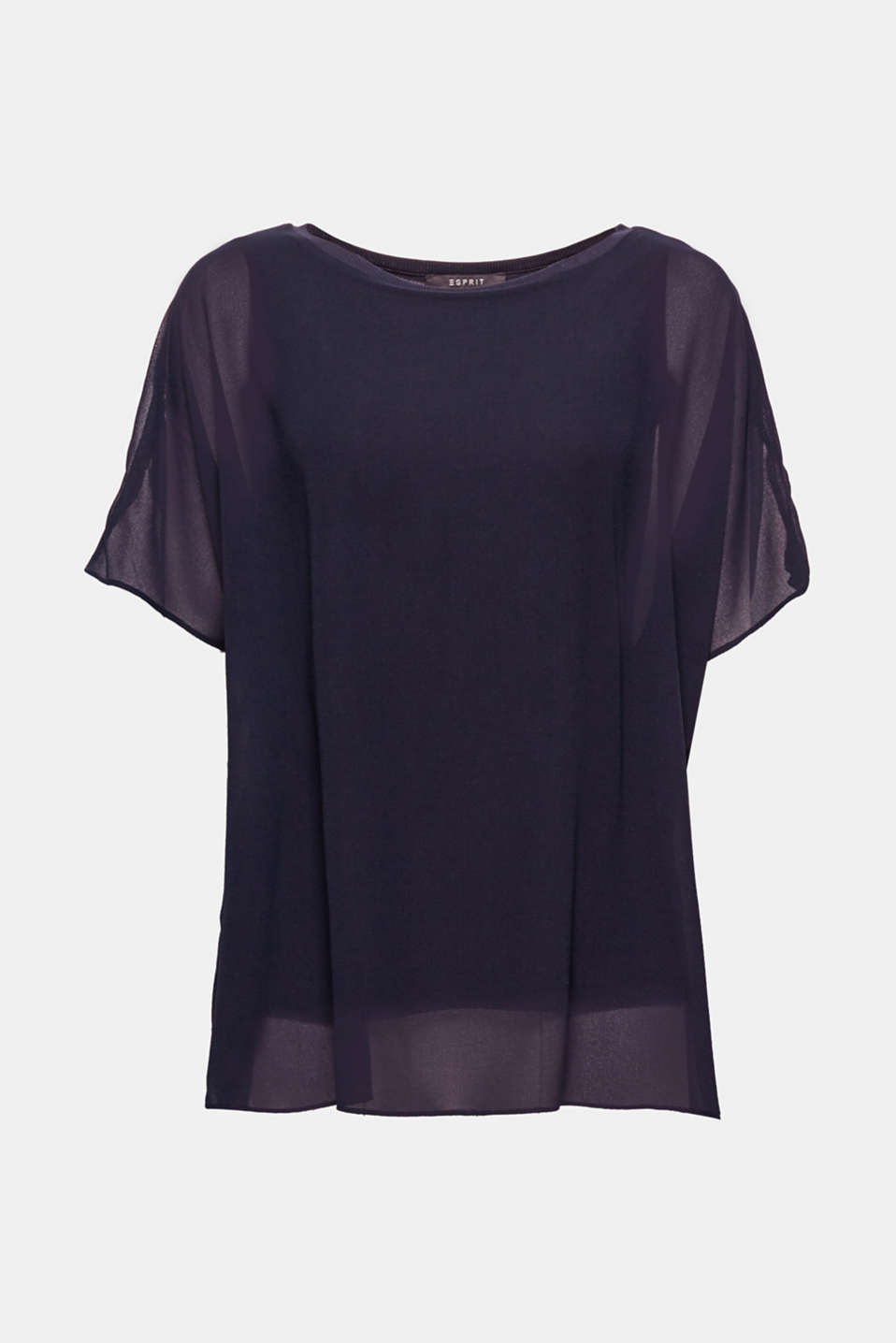This top is suitable for lots of styling ideas, both casual and elegant.