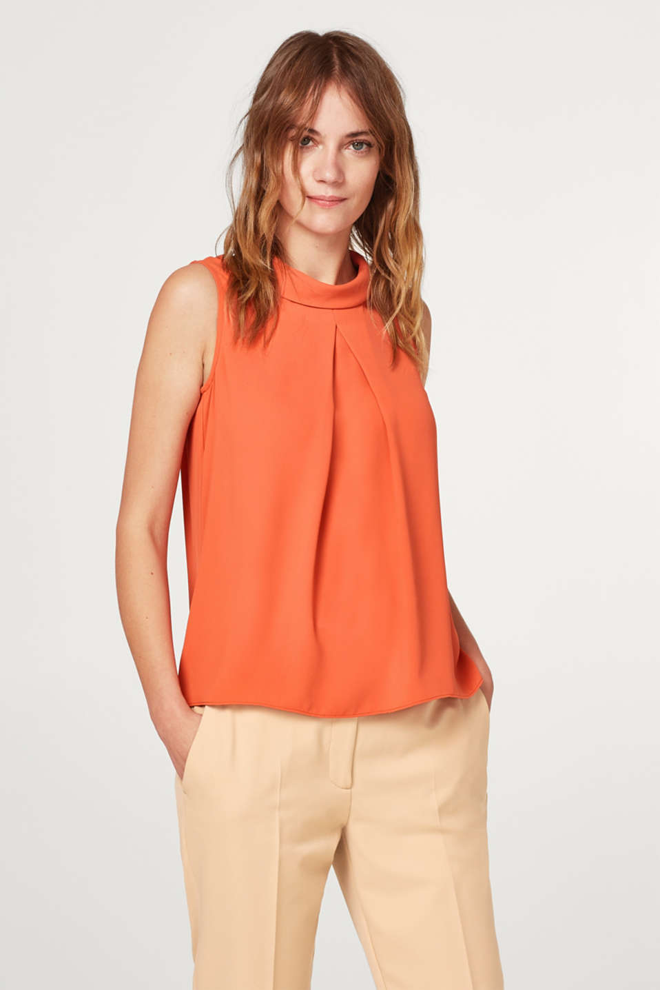 Esprit - Lightweight blouse with pleat and turn-down collar