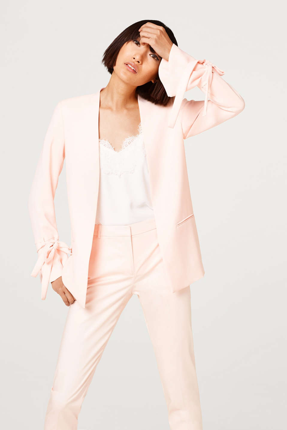 Esprit - COOL CRÊPE mix + match blazer with bows