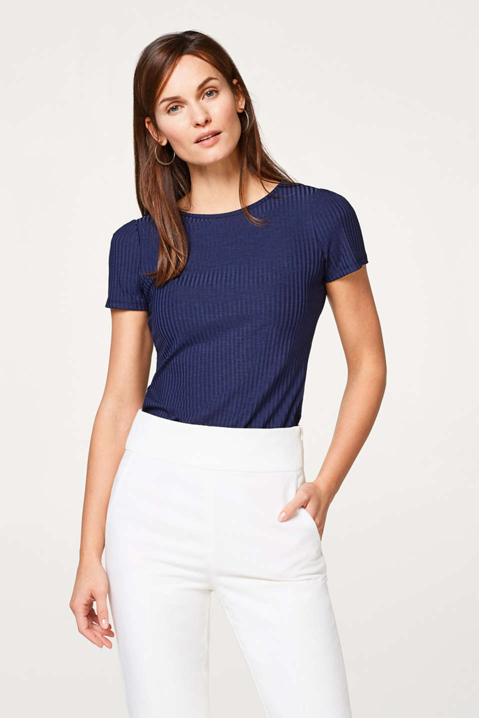 Esprit - Fitted stretch top with a ribbed texture