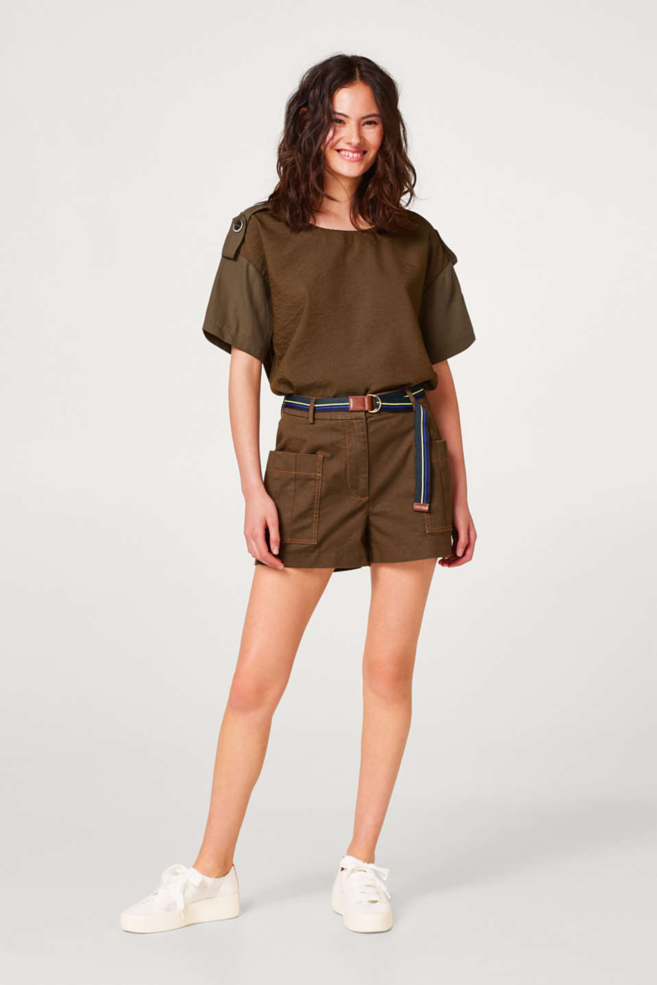 Shorts with patch pockets and a belt