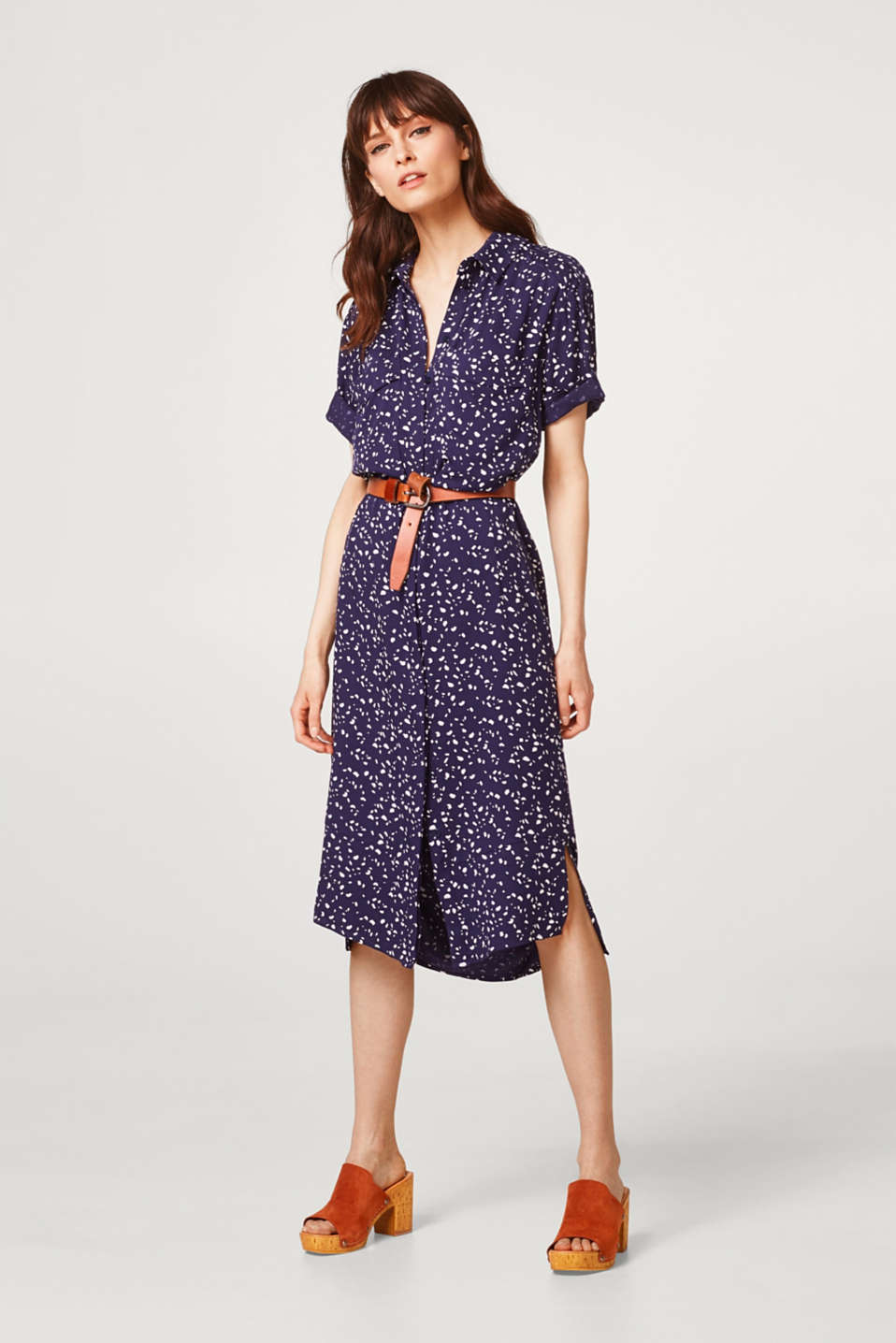 Esprit - Softly draped dress in a shirt blouse style