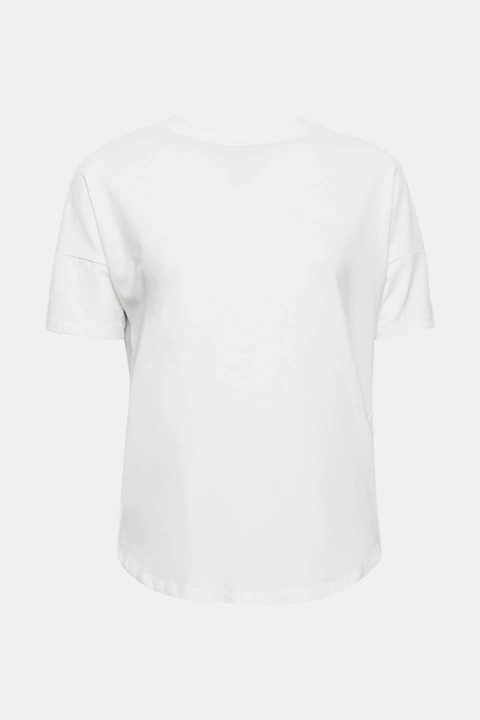 This soft T-shirt with a stand-up collar, dropped shoulders and extremely sustainable organic cotton is a great basic.