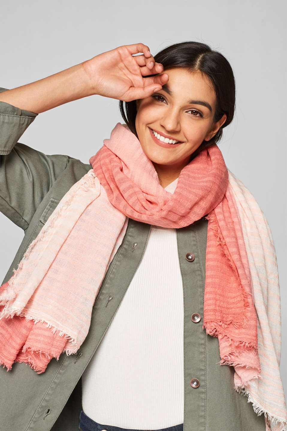 Oversized scarf with colour graduation, LIGHT PINK, detail image number 1