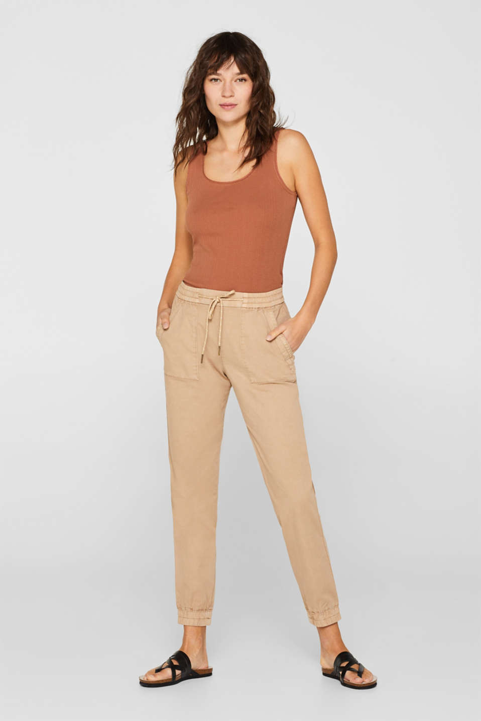 edc - With linen: casual cuffed trousers in a worker look