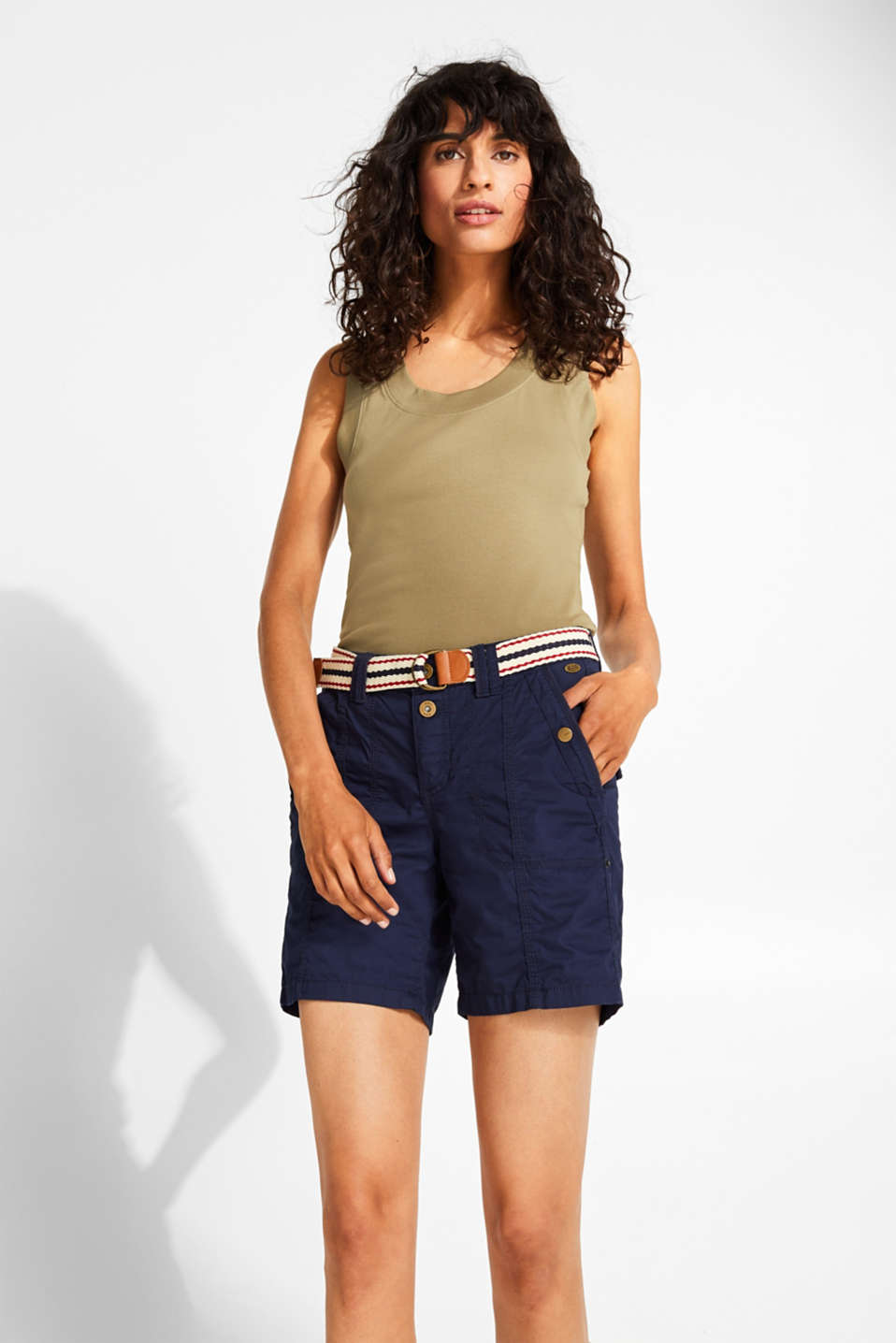 edc - PLAY shorts with a belt, 100% cotton